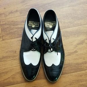 Stacy-Adams loafers, black and white, perf cond